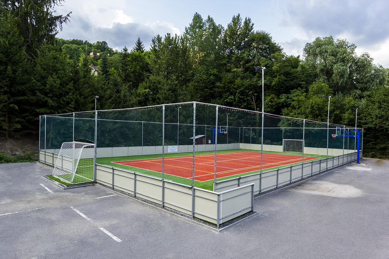 Multifunkčné ihrisko - umelá tráva - Banská Štiavnica