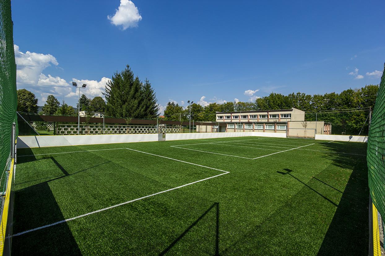 Futbalové ihrisko - umelá tráva - Púchov