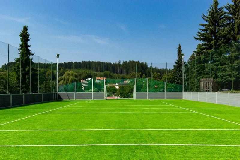 Multifunkčné ihrisko - výmena umelej trávy - Hrochoť - Marotrade