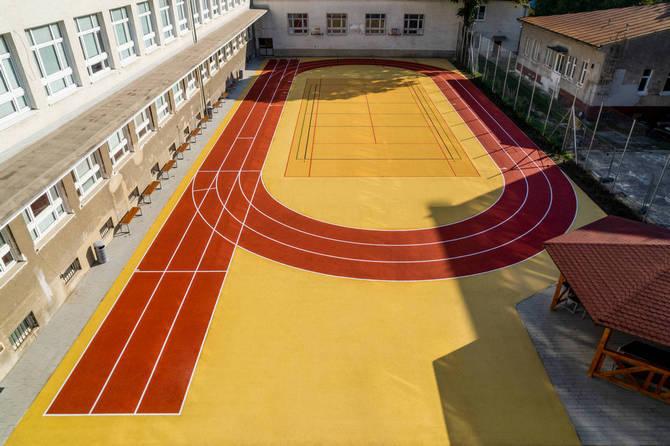 Športový areál - EPDM Klasik - Bratislava, Stredná zdravotnícka škola